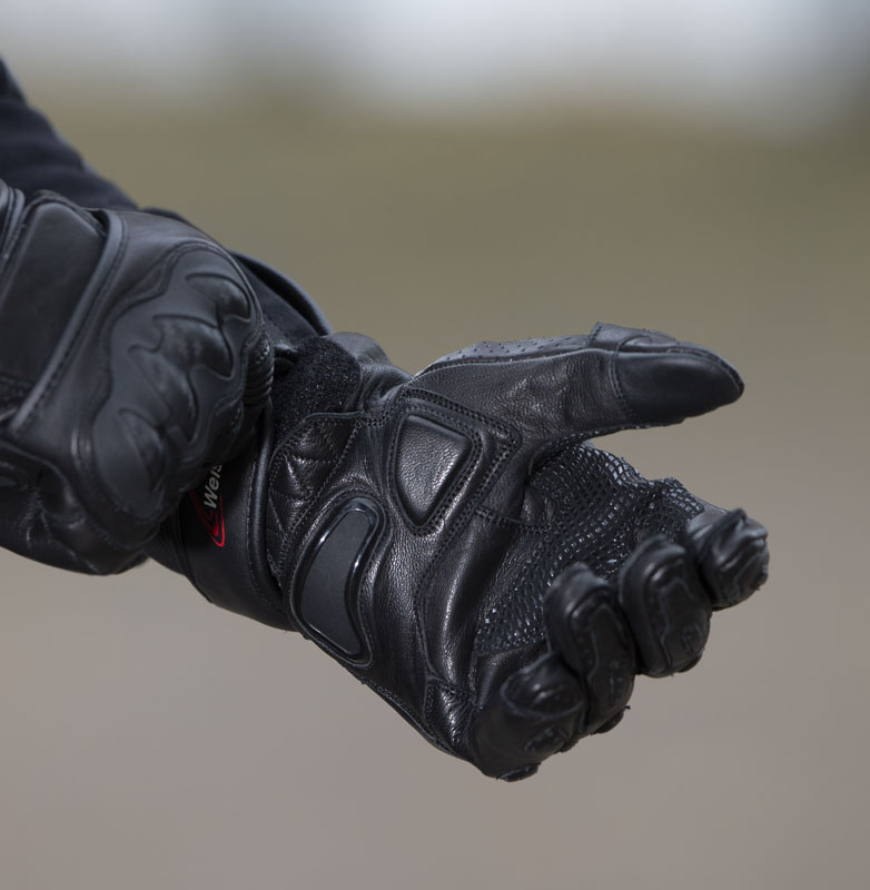 Weise Apex Glove – short and sporty